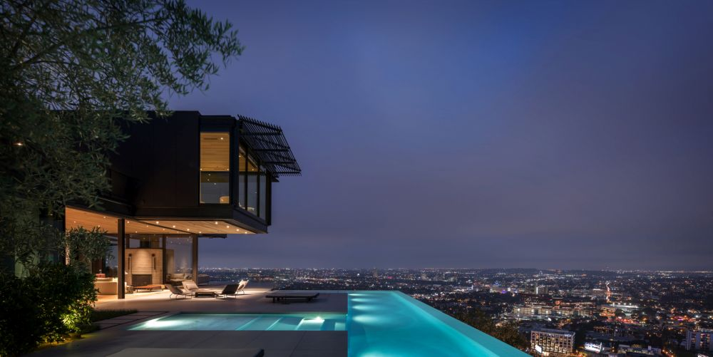 A Magnificent Hollywood Home With A Spectacular Skyline View