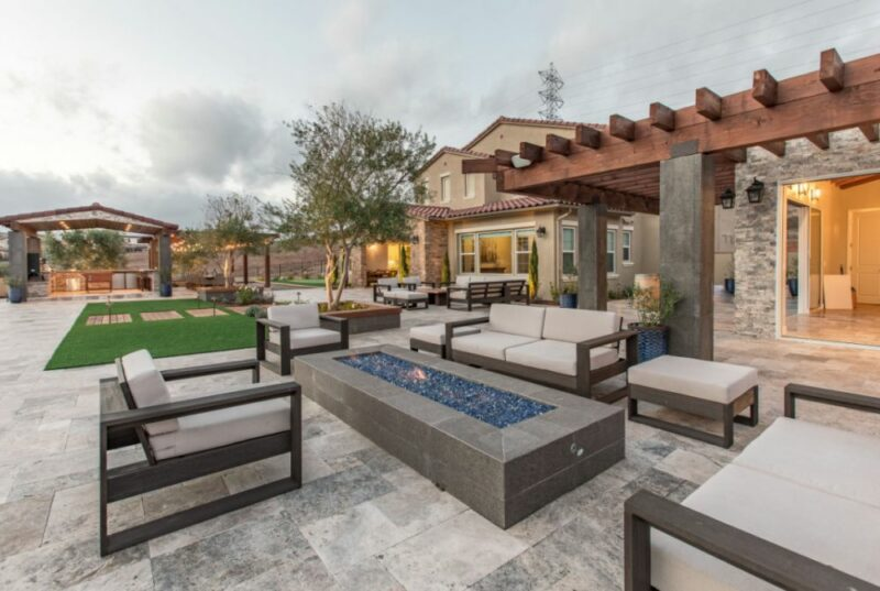 Modern Backyard Ideas That Make You Want To Stay Out Here Forever