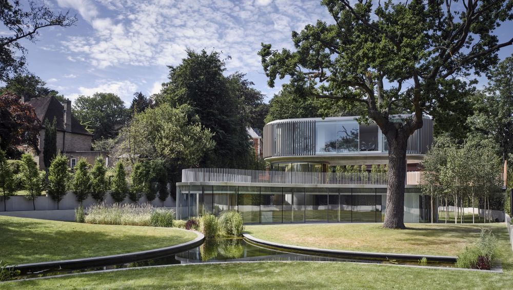 The garden has a beautiful tiered design which creates separate points of interest
