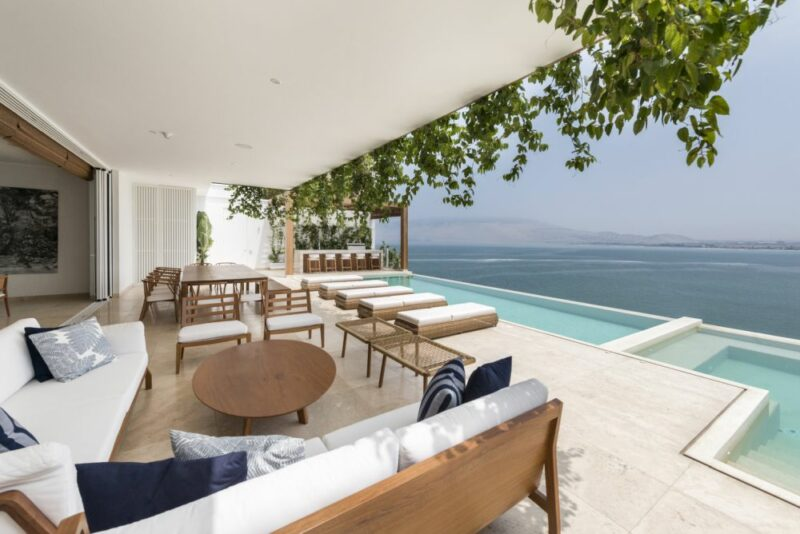 10 Modern Beach Houses With Beautiful Designs and Magnificent Views