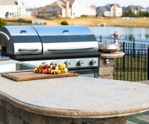 DIY户外厨房框架想法 - 如何建造庭院烧烤区