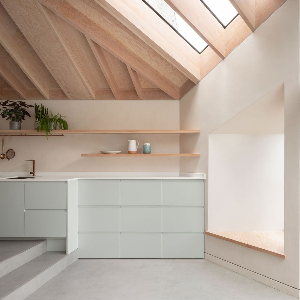 This soft duck egg nuance looks wonderful in combination with the light wood and the grey