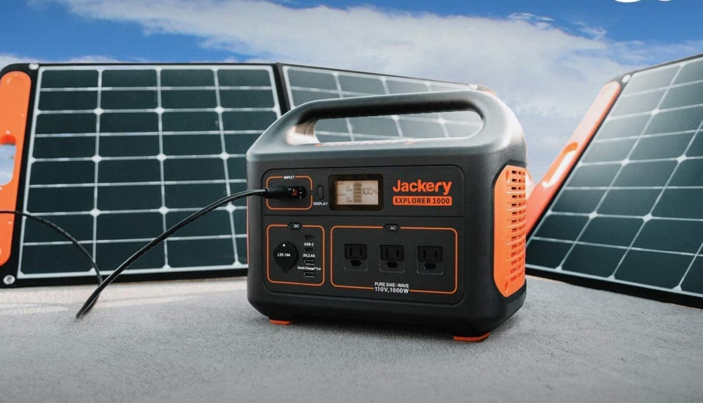 Don't Get Caught in the Dark: Get a Solar-Powered Generator