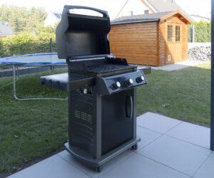 是您的邻居最佳户外厨师,拥有最昂贵的烤架