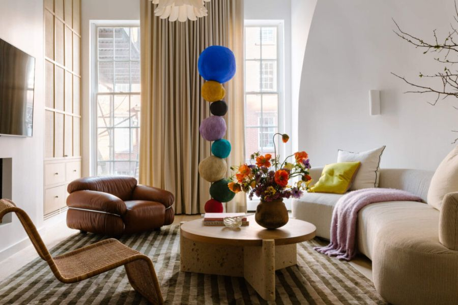 Eclectic and exuberant ChelseaTownhouse living room