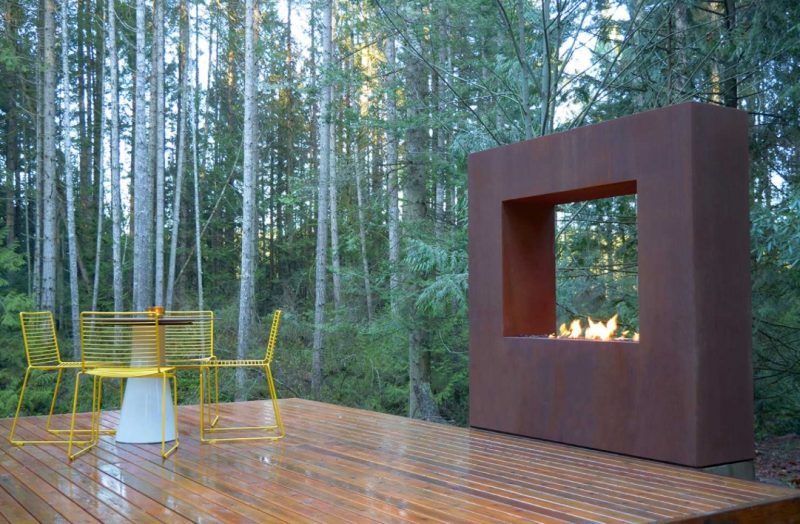 Modern Outdoor Fireplaces And Fire Pits That You'd Be Proud To Have In Your Backyard