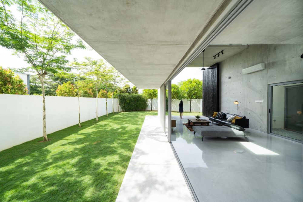 The extension also has large sliding doors which open it up to the exterior