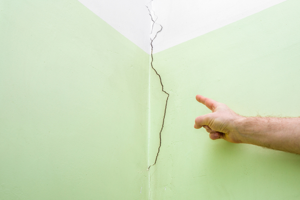 Why Do Cracked Walls Happen