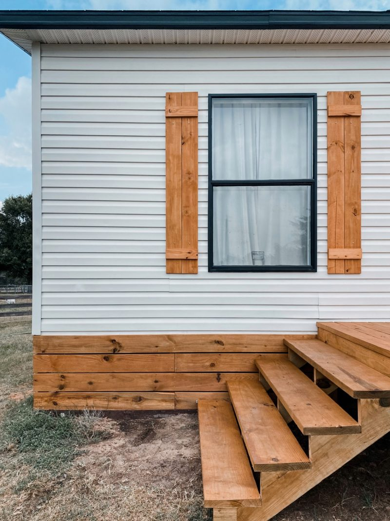 Mobile Home Skirting Options That Look Amazing