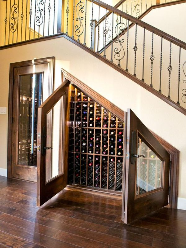 What's the difference between a wine cellar and a wine cooler?
