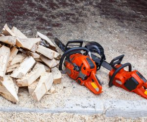 The Best Battery Powered Chainsaw For Small Woodworking Jobs