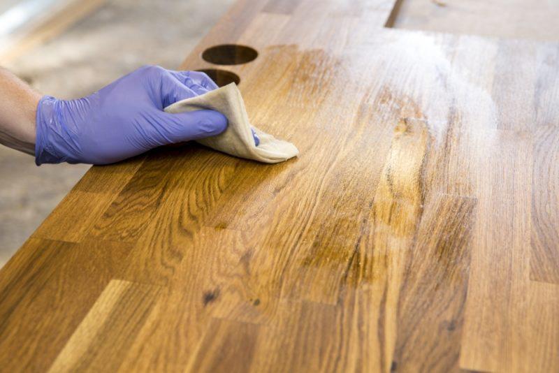 如何正确使用矿物油用于木材