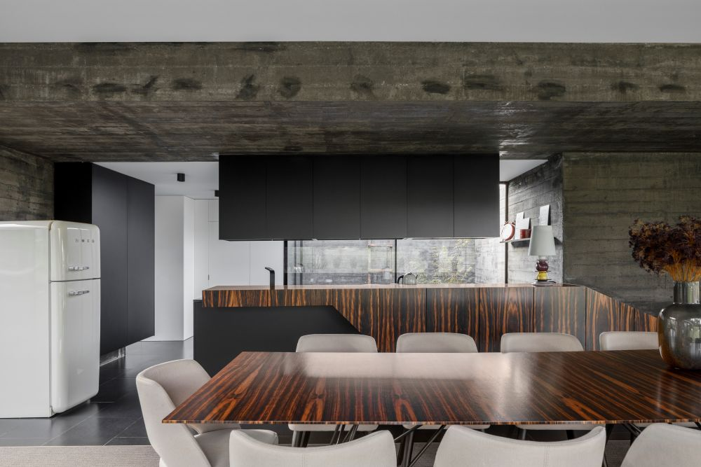 The materials and finishes used throughout the house are consistent which adds cohesion to the decor