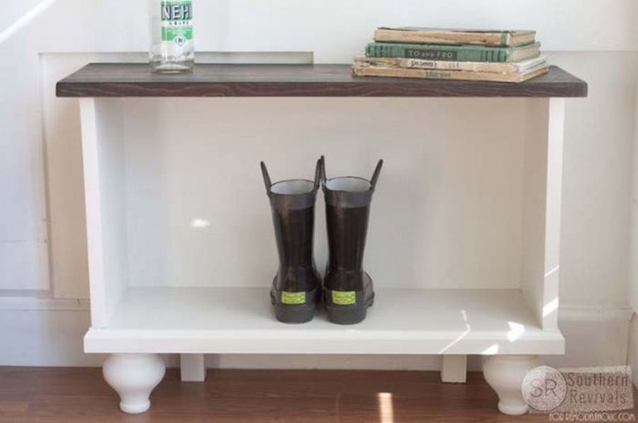 Cute entryway bench with built-in storage