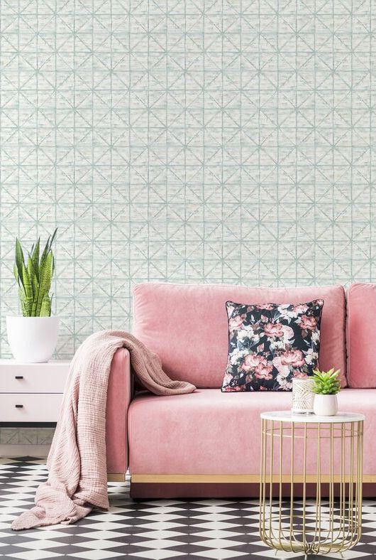 Calm geometric pattern with a twist