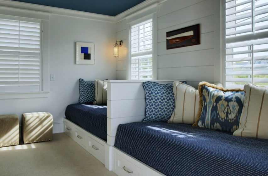 Daybed window seating