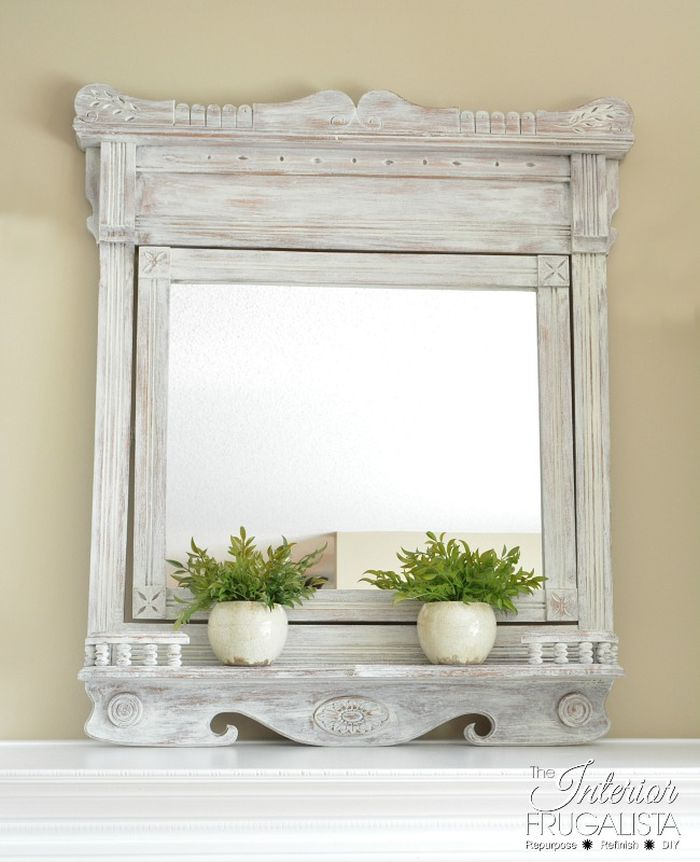 Easy farmhouse mirror makeover using paint