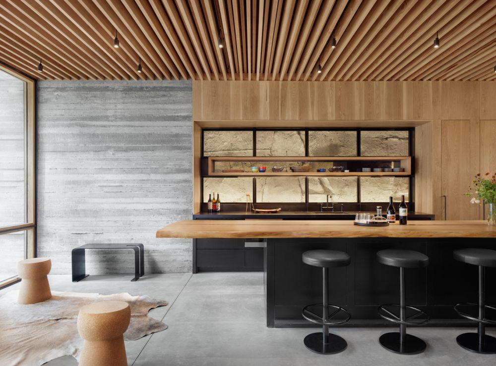 The stylish wooden ceiling in the bar and lounge area creates a warm and welcoming ambiance
