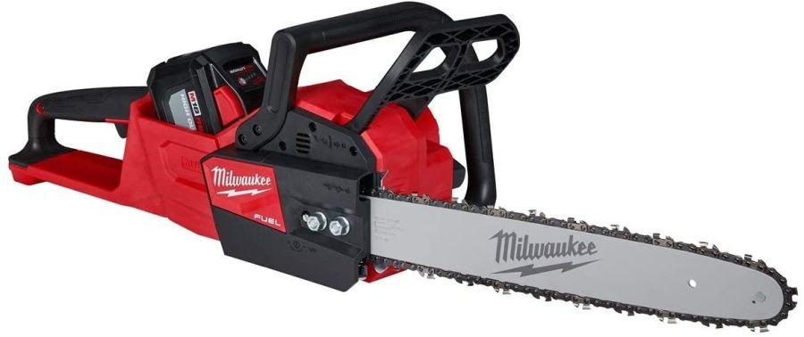 Milwaukee Powered Battery Chainsaw