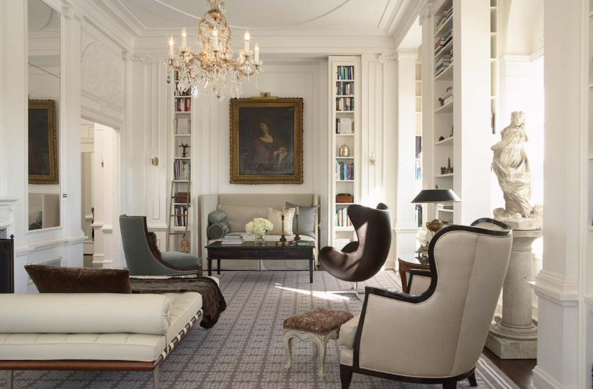 Modern living room daybed