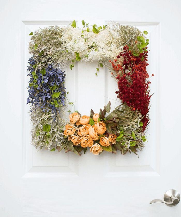 A square wreath