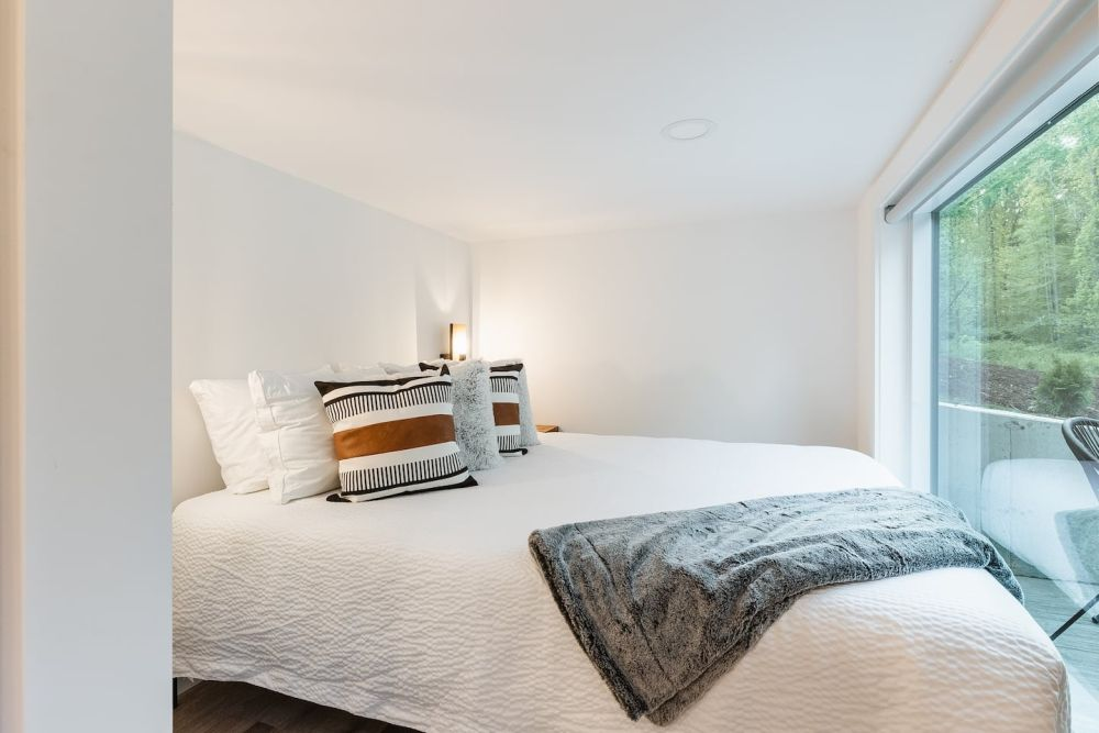 Both bedrooms have queen-size beds which take up almost the entire area