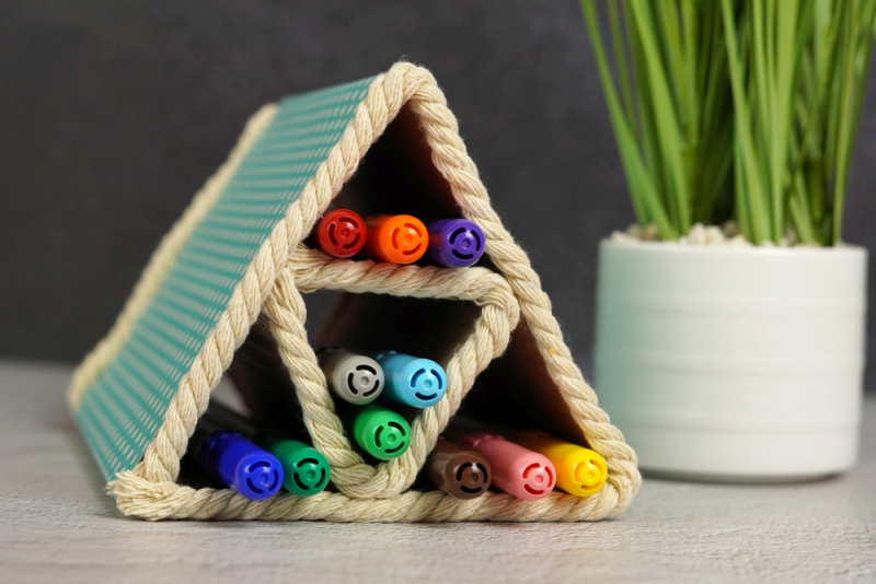 Easy DIY Colored Pencil Organizer Made Out Of Cardboard