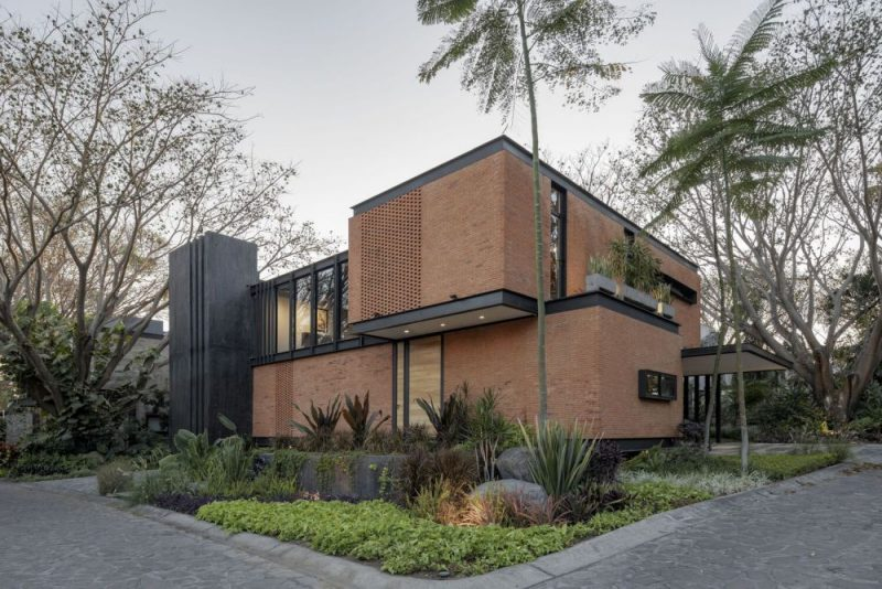 A Modern-Industrial House On A Beautiful Corner Lot In Mexico