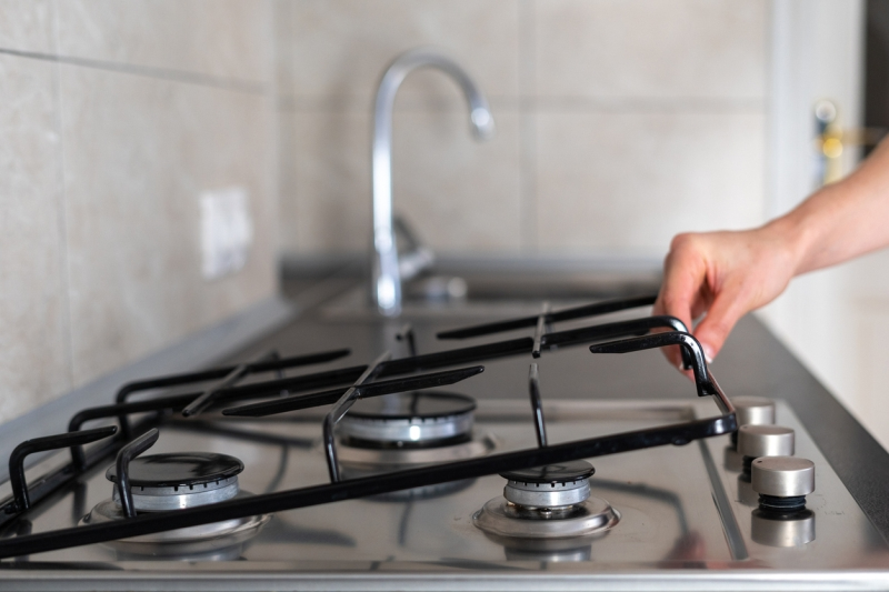 How to Clean Stove Burner Grates