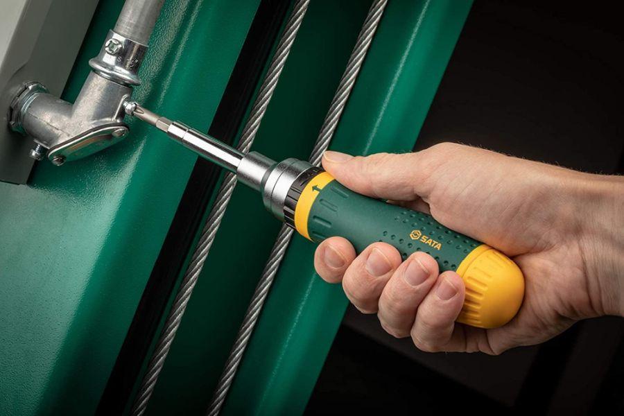SATA 19-in-1 Multipurpose Ratcheting Screwdriver