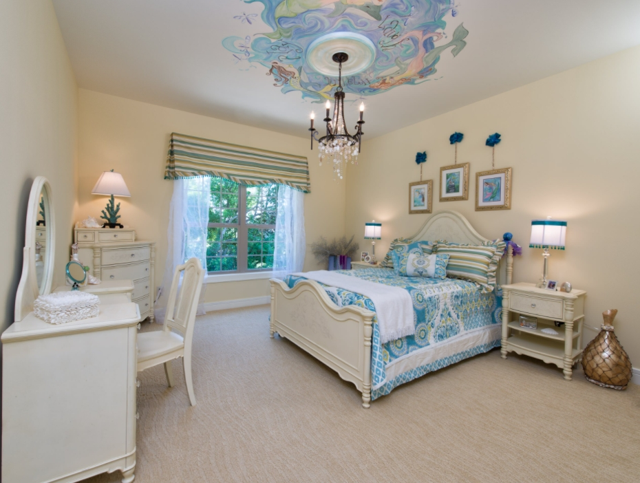 Beige and turquoise bedroom