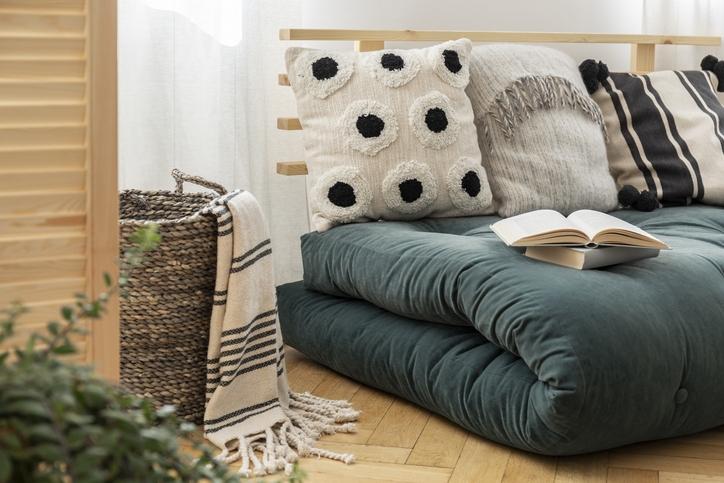 Gorgeous Boho Throw Pillow Ideas to Decorate Your Home