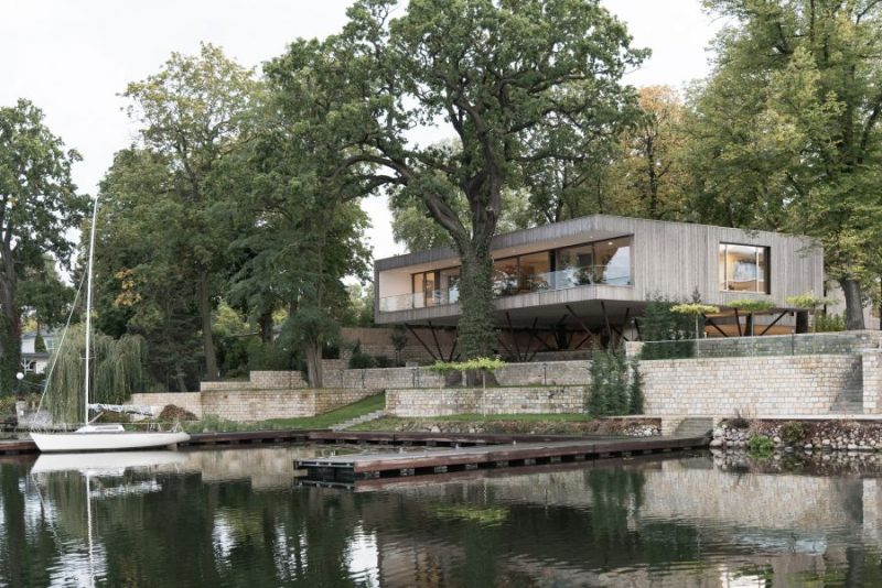 Stunning Lakeside Home in Germany Floats Above the Landscape