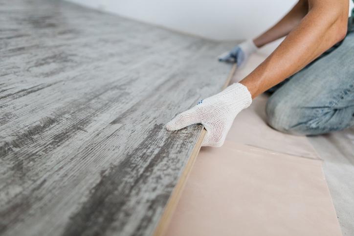 Laminate Vs Vinyl flooring install