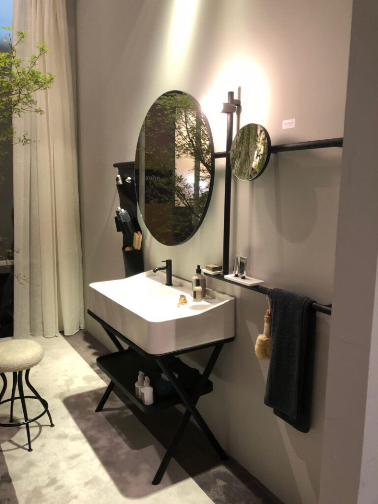 What to Know About Black Bathroom Faucets
