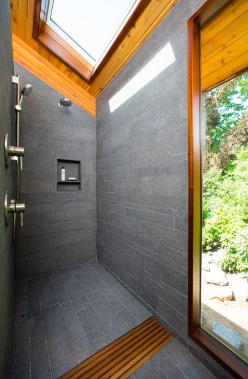 Natural light shower desing