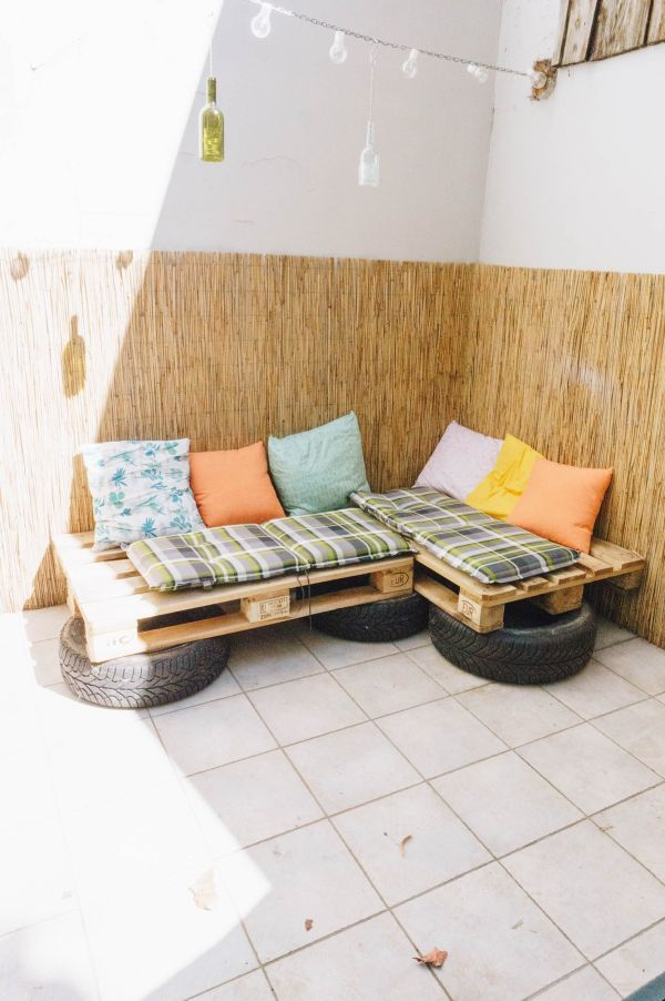 Pallet and tire couch