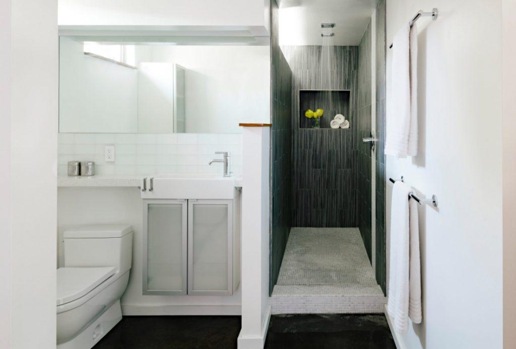 standard shower size