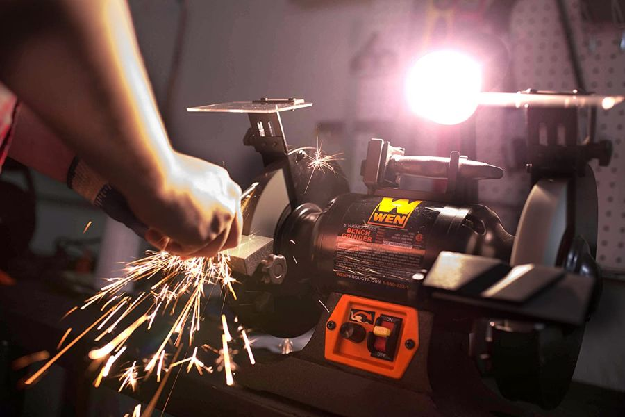 WEN BG4280 5-Amp 8-Inch Variable Speed Bench Grinder with Flexible Work Light