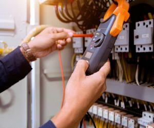What is a Non-Contact Voltage Tester and Do You Need One?