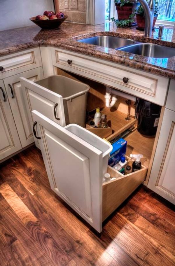 Bentwood Drive Residence Kitchen