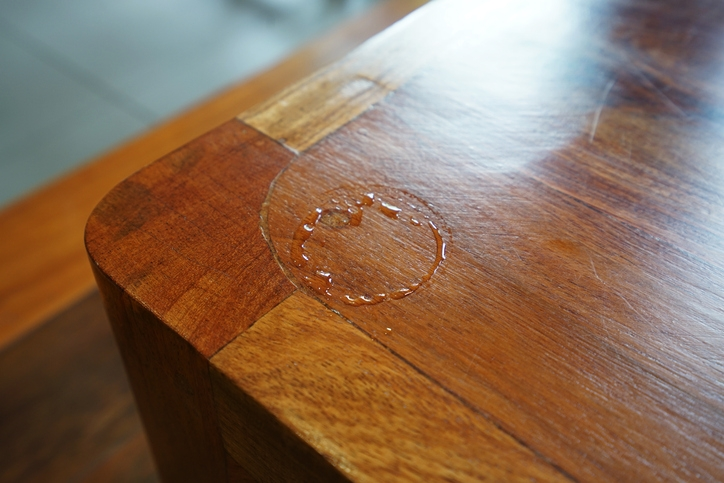 removing water stains from wood