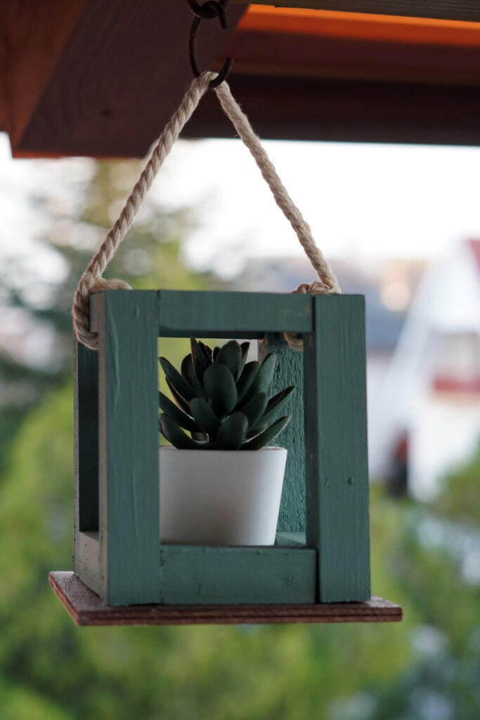 How To Make A Rustic Hanging Planter