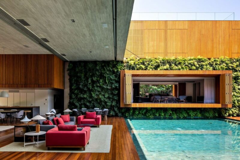 Fusion of Indoors, Outdoors Creates a Luxurious Home in Saõ Paulo