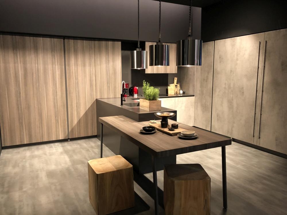 Peninsula Kitchen Decor Images