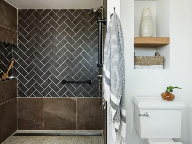 Shower Tile Design Ideas for Small And Glamorous Bathrooms