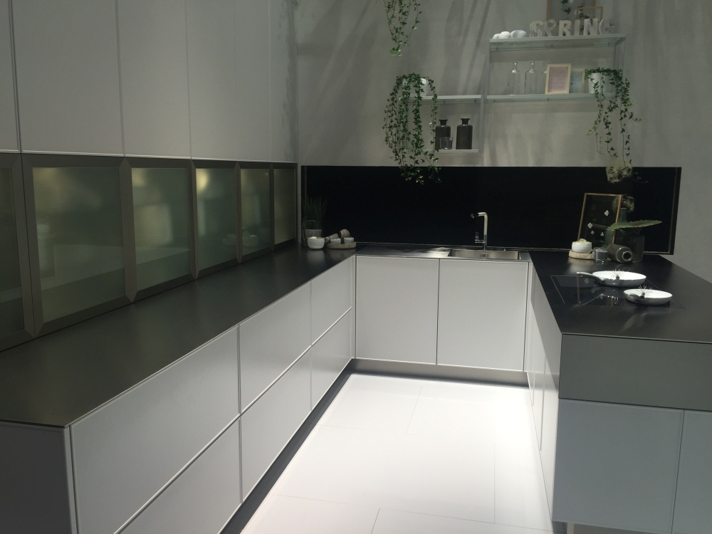 U-Shaped Kitchen Pictures