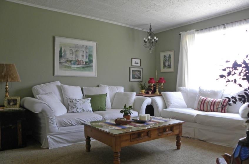 Farmhouse-Style Sitting Area
