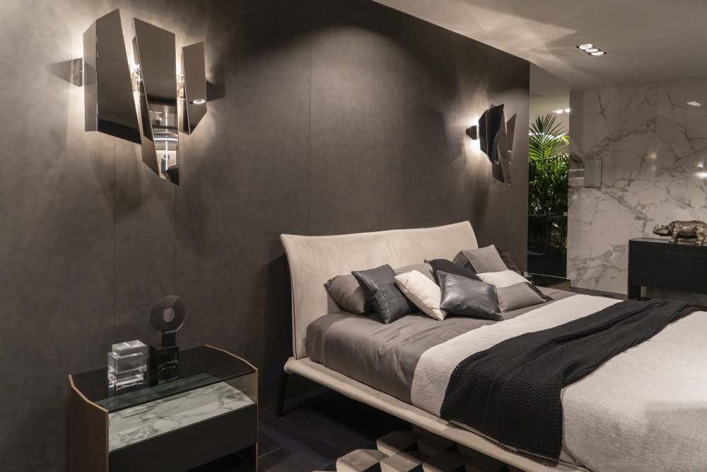 Neutral colors and subdued lighting