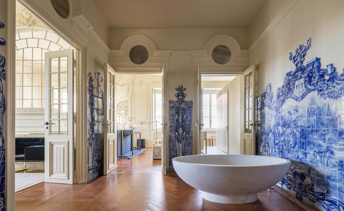 Blue tiles Walls that tell a story